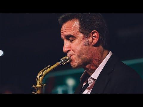 Amazing Saxophone Solo – Eric Marienthal
