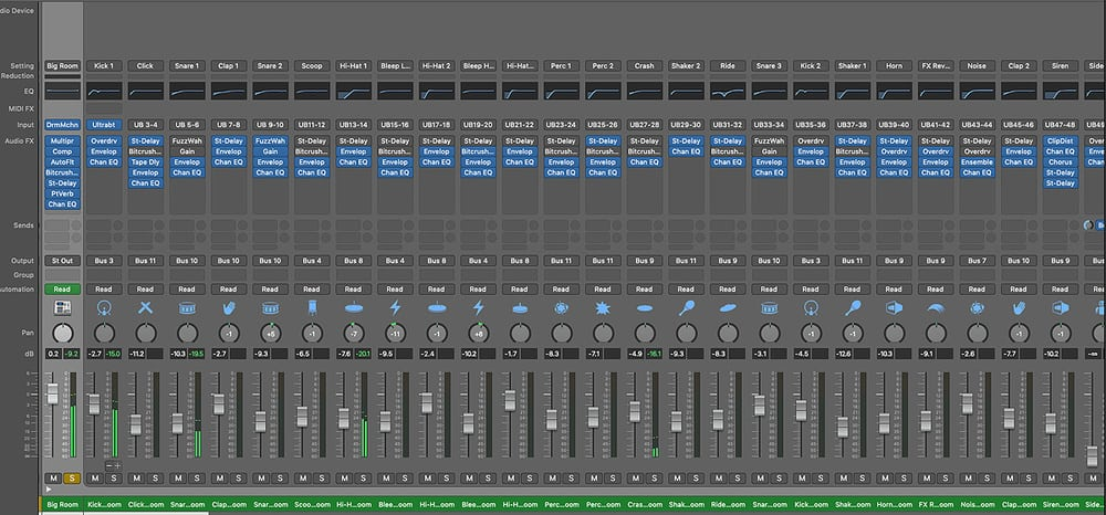 Logic Pro's Mixing Console - How Good is Garageband for Making Music
